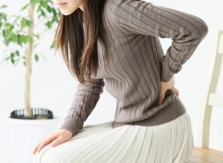 坐骨神経痛の女性