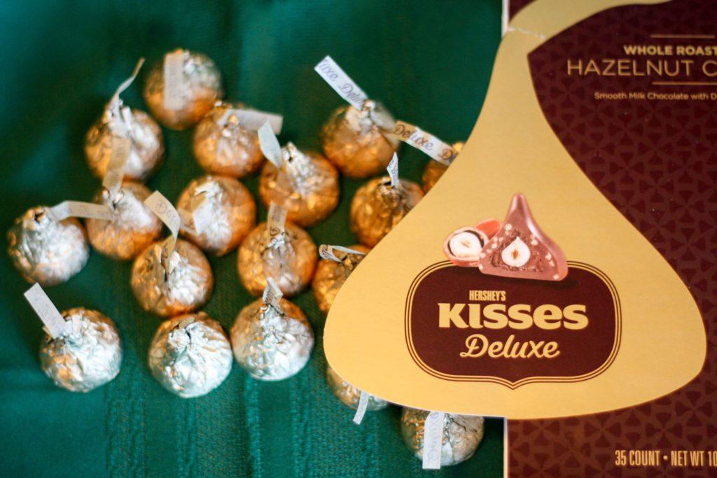 KISSES Deluxe-1