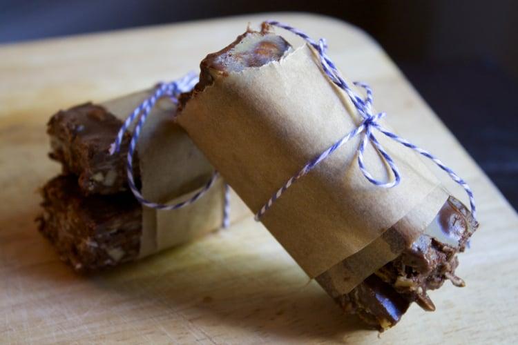 Dairy Free No Bake Almond Joy Bars | The Foodie Dietitian @karalydon