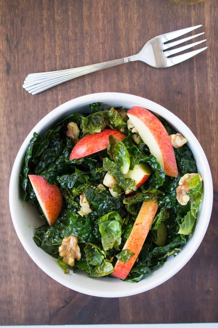 Harvest Kale with Pumpkin Seed Oil Dressing| The Foodie Dietitian @karalydon