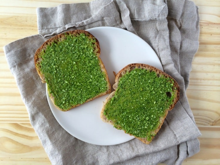 Grilled Cheese with Arugula Pesto | @TheFoodieDietitian