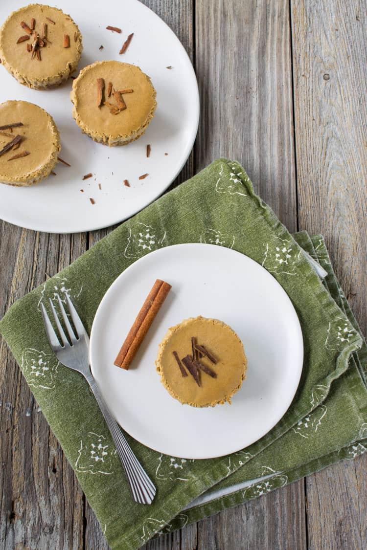 No Bake Mini Gingerbread Cheesecake