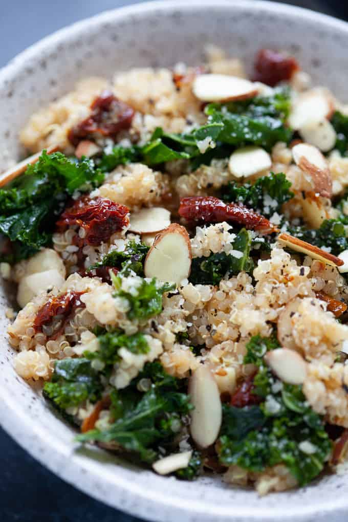 5 Ingredient Kale and Quinoa Bowl #glutenfree #vegan