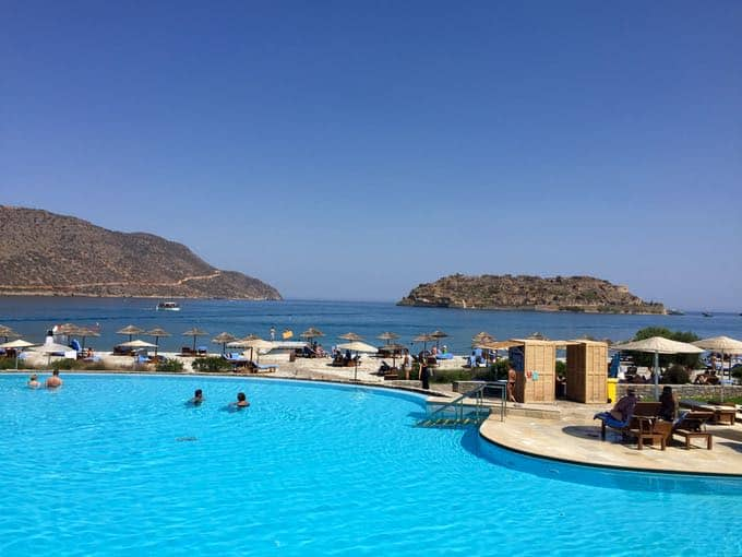 top 10 things to do on your honeymoon in greece. blue palace resort. crete.