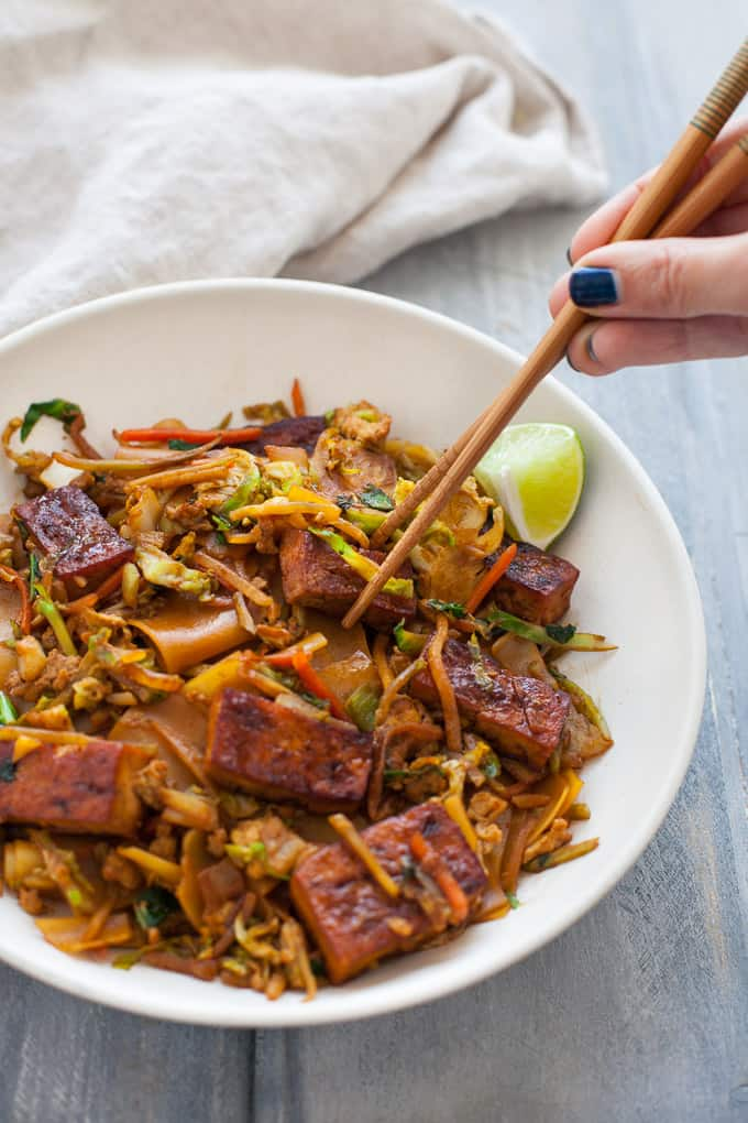 Who needs Thai takeout when you can make your own dish in the same amount of time? This Vegetarian Pad See Ew dish is the perfect recipe for an easy weeknight dinner.