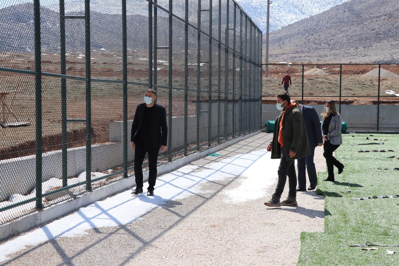 Kazımkarabekir futbol sahasında çalışmalar devam ediyor