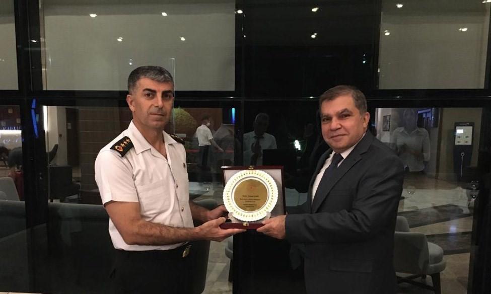 Vali Işık'tan İl Jandarma Komutanı Şahin'e veda yemeği