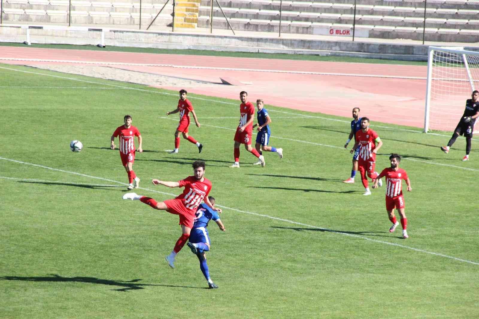 TFF 3. Lig: Karaman Belediyespor: 1 – Belediye Kütahyaspor: 2