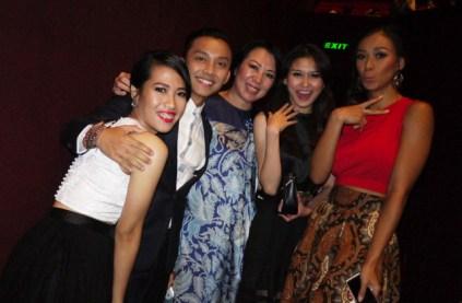 The gorgeous casts: Ina Pangabean, Trisa Triandesa, Dayu Wijanto, Marissa Anita, and Adinia Wirasti