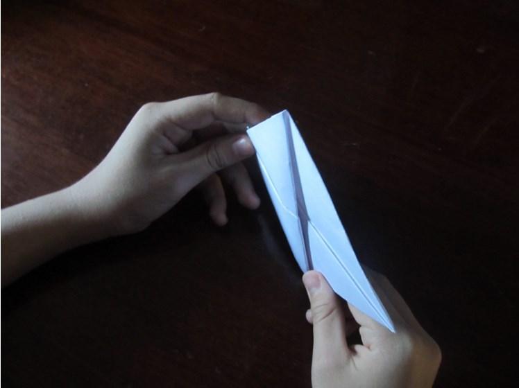 Hoe maak je een boot van papier? Instructie opvouwbare papierboot Doe het zelf fase 21