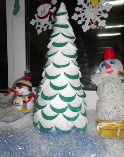 Χριστουγεννιάτικο δέντρο με τα χέρια σας για το Νέο Έτος & # 8212; Ιδέες φωτογραφιών και κύρια μαθήματα Στάδιο 124