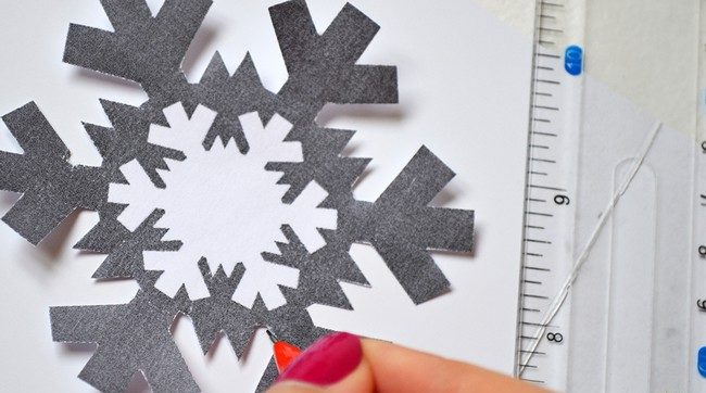 کارت پستال های سال نو آن را برای کودکان انجام می دهند: کلاس های کارشناسی ارشد و قالب های کارت پستال برای سال جدید 2021 مرحله 73