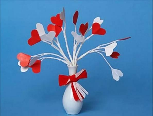 वेलेंटाइन डे के लिए DIY इसे बच्चों के लिए करते हैं: 14 फरवरी चरण 13 को शिल्प के सबसे सुंदर विचार