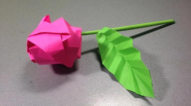 Paper Flowers & # 8212; Mga scheme at mga template para sa paglikha ng mga kulay ng papel na yugto 130.