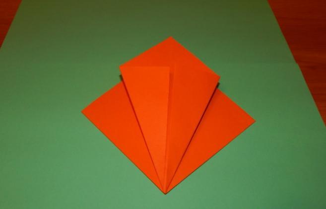Paper Flowers & # 8212; Mga scheme at mga template para sa paglikha ng mga kulay ng papel na yugto 87.