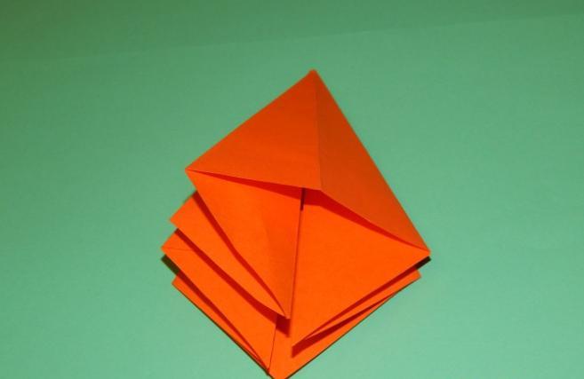 Paper Flowers & # 8212; Mga scheme at mga template para sa paglikha ng mga kulay ng papel na yugto 91.
