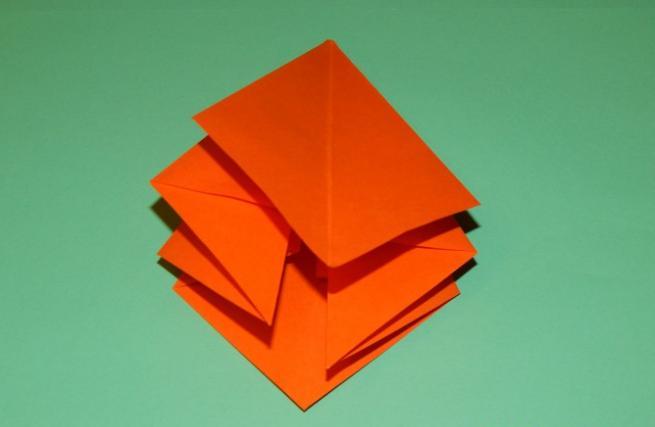 Paper Flowers & # 8212; Mga scheme at mga template para sa paglikha ng mga kulay ng papel na yugto 93.