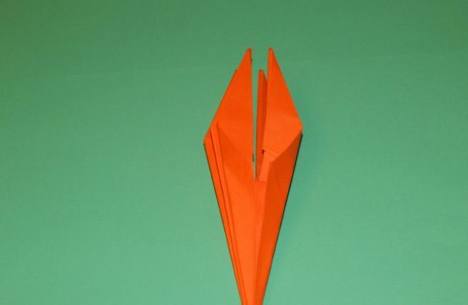 Paper Flowers & # 8212; Mga scheme at mga template para sa paglikha ng mga kulay ng papel na yugto 107.