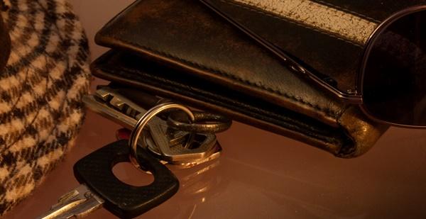 誕生日プレゼント 彼氏 財布 人気 ポールスミス