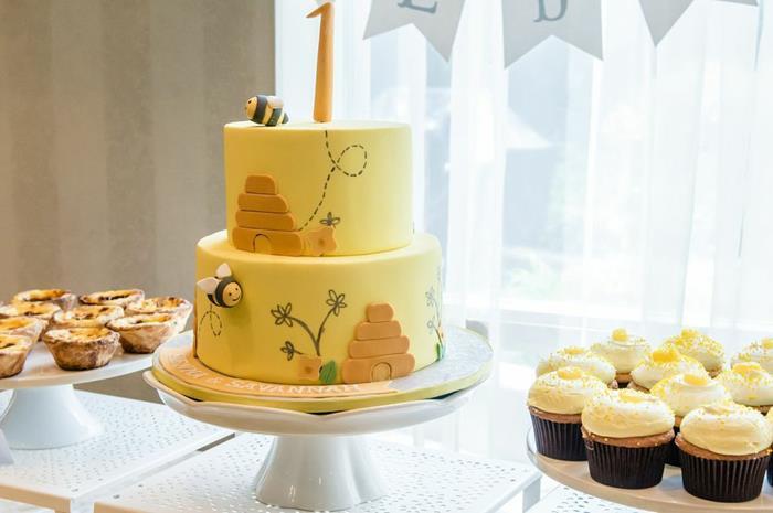 Karas Party Ideas Honeybee Bee Birthday Party Twins