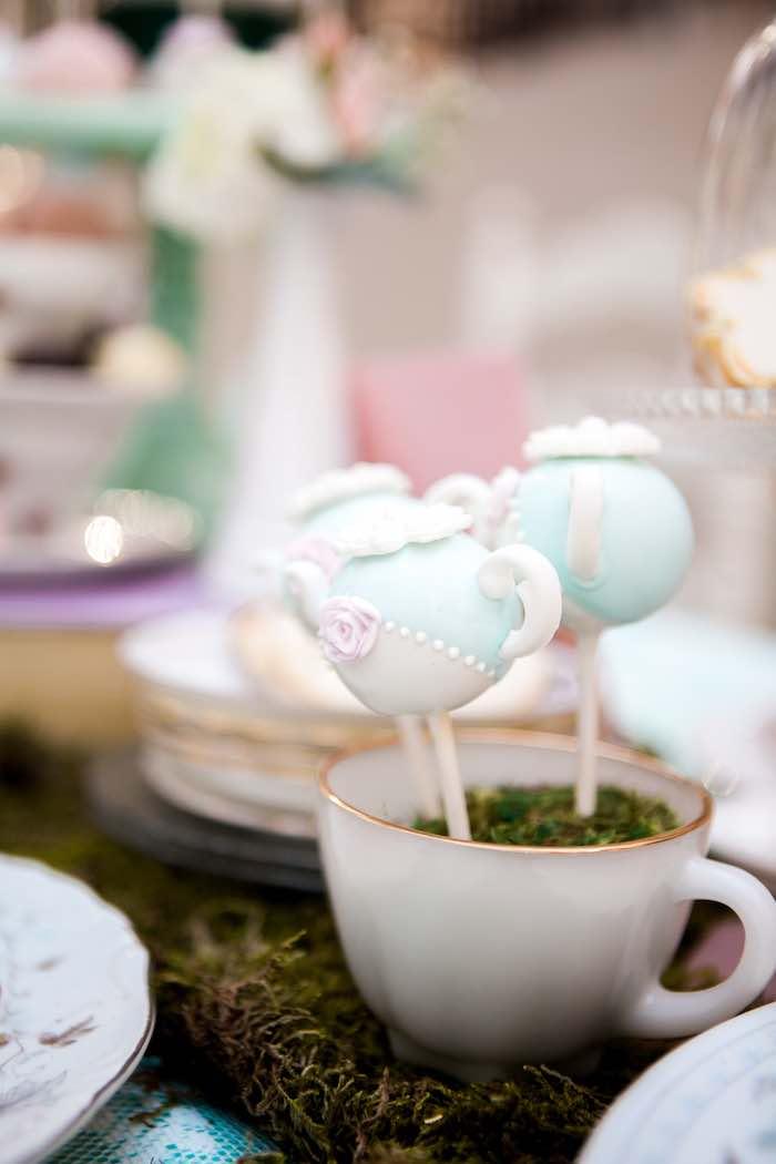 Kara S Party Ideas Shabby Chic Alice In Wonderland