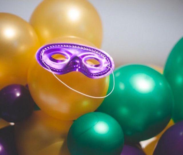 Balloon Garland From A Mardi Gras Themed Birthday Party On Karas Party Ideas Karaspartyideas