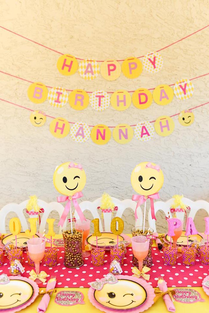 Kara S Party Ideas Pink Amp Gold Emoji Birthday Party Kara