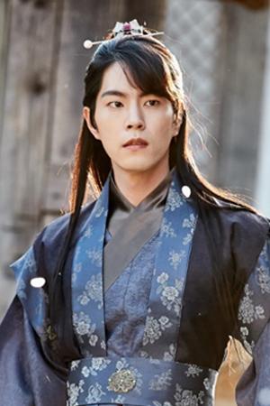 王は愛す ホン・ジョンヒョン