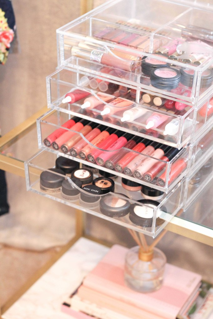 How I Organize My Makeup + Jewelry