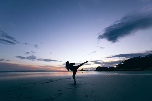 空手の蹴り方、蹴り技、練習方法について