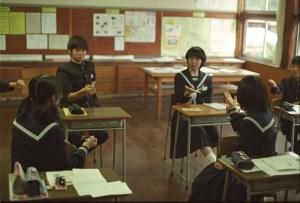 800px-Playing_janken_-_school_in_Japan-640x435