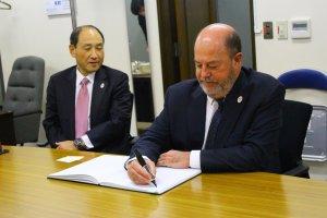 wkf-president-visits-joc-tocog-and-nippon-budokan-350-004