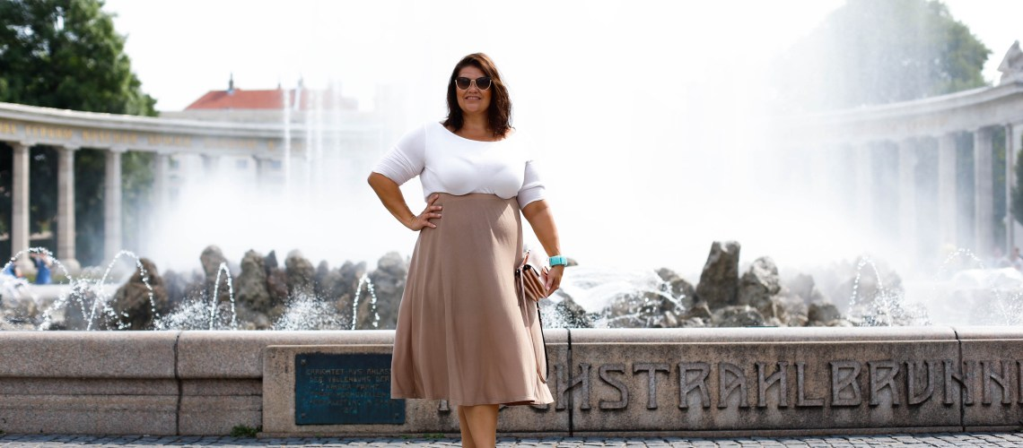 trend erdtöne plussize fashion outfit curvy kardiaserena herbst trendfarbe