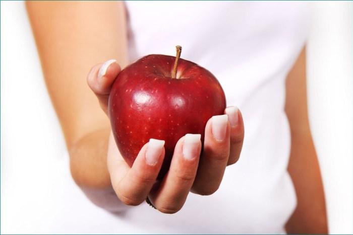 Перекус фруктами