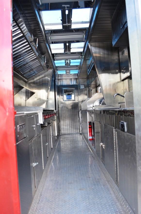 La Ilusion Catering Truck - 13