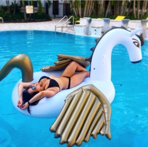 pool, sunnies, sunglasses, DIFF Eyewear