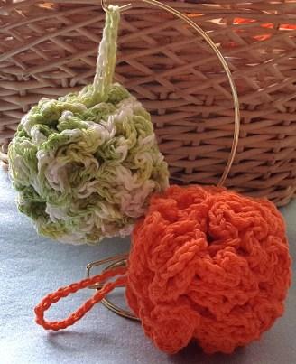 crochetbathpoufs1