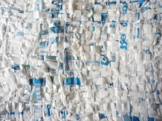 debriswovenplastic