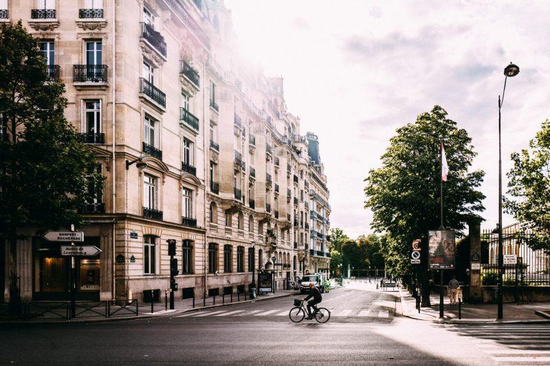 Paris Street, My Own Random Small Tips for Visiting Paris, https://karenhugg.com/2019/06/12/tips-for-visiting-paris #Paris #France #travel #tips #smalltips #summer #visitingParis
