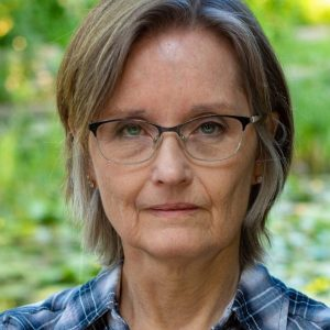 Sue Burke Dreams Up Super Intelligent Plant Life, Karen Hugg, https://karenhugg.com/2019/11/24/sue-burke/, #SueBurke, #Semiosis, #Interference, #sciencefiction #books #novels, #interview, #plants