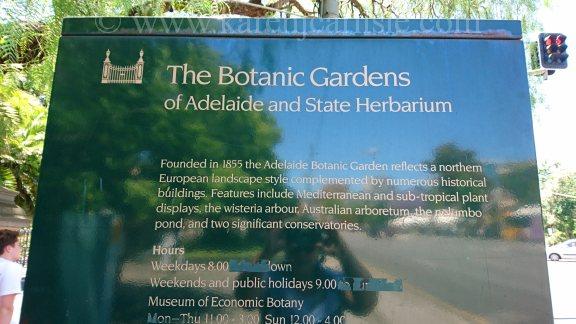 1-botanic-gardens-sign