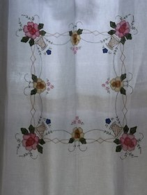 appliqued tablecloth curtain