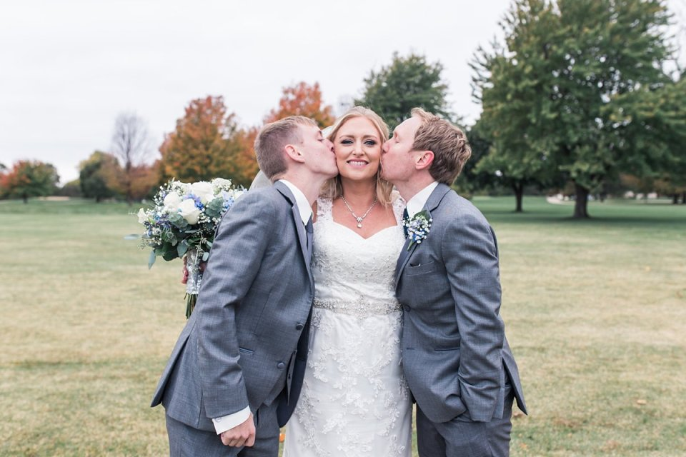 Illinois Golf Course Groomsmen with Bride