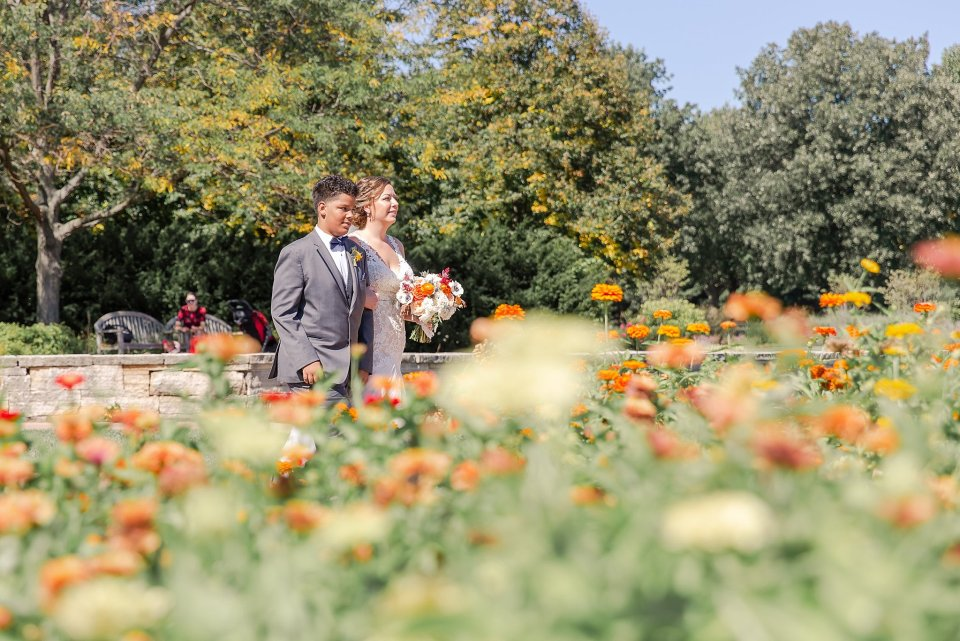 Orange and blue fall wedding at University of Illinois arboretum by Karen Shoufler Photography