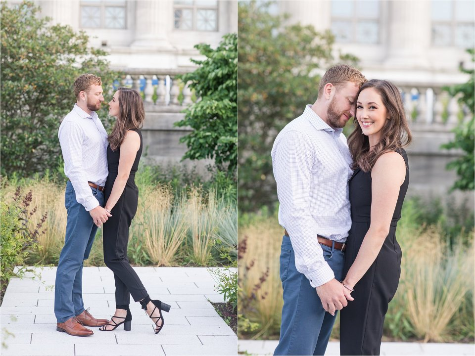 engagement photo at the museum campus at Field Museum in Chicago
