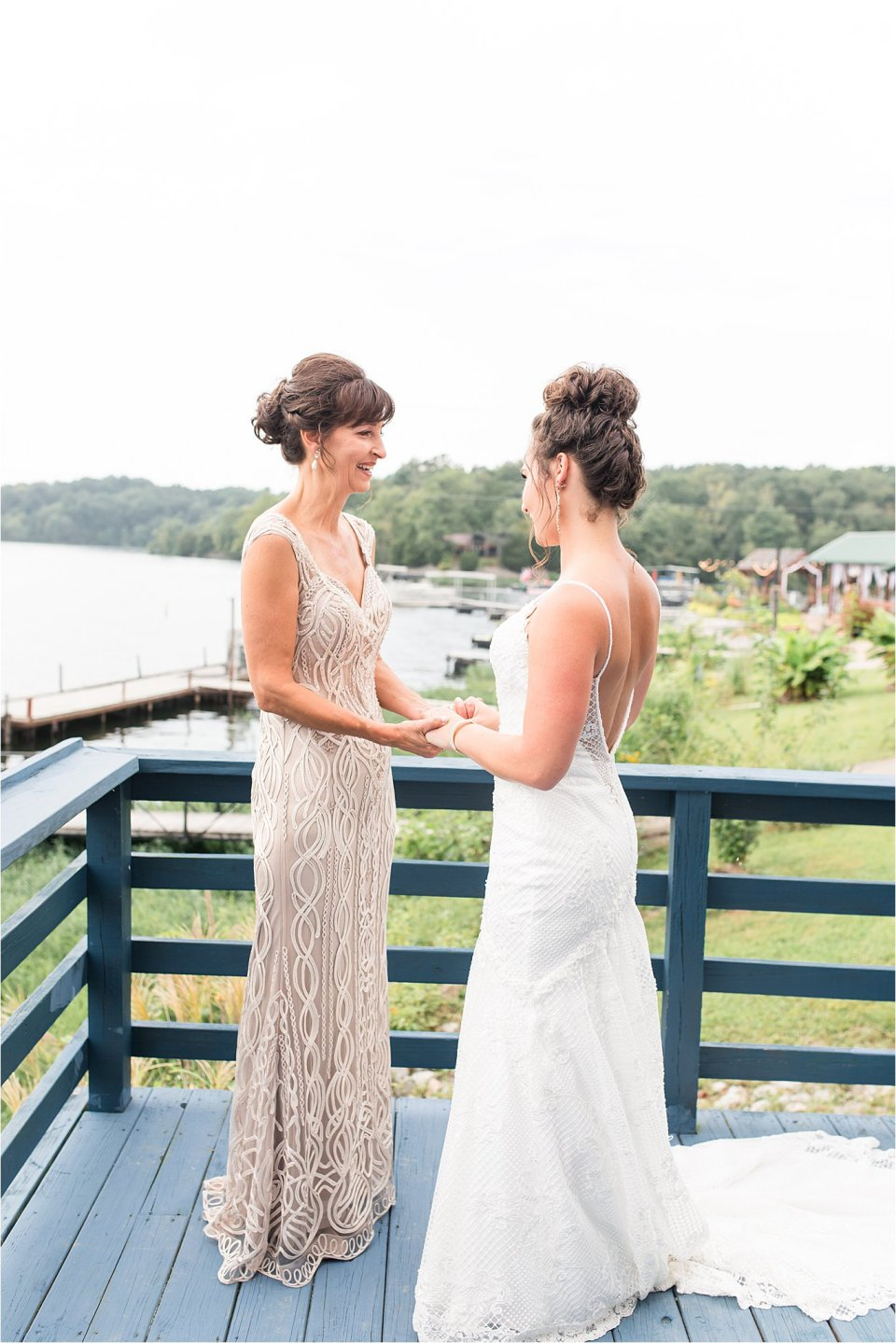 Bride and mother getting ready at Egyptian Hills Resort on Lake of Egypt