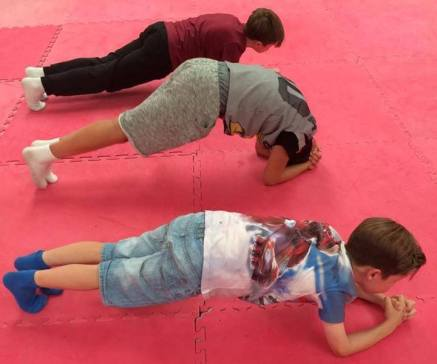 Who is the best in 'plank' ?