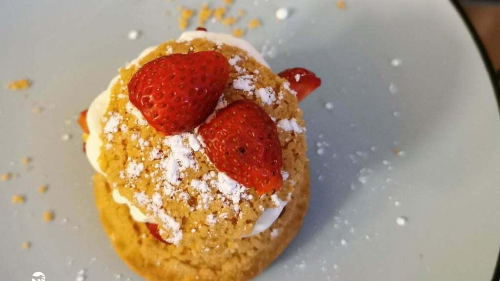 chou fraise chantilly final