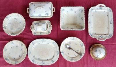 Satu Set Piring Antik Retak Seribu Berumur 100 Tahun Lebih