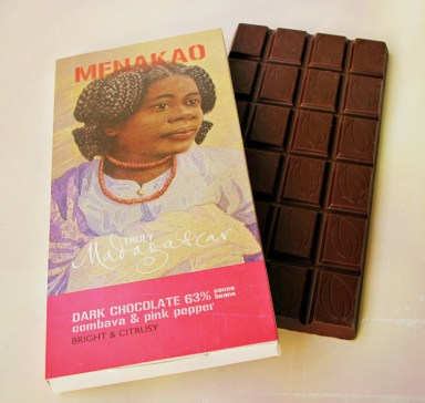 menakao_chocolate_combava_pink_pepper